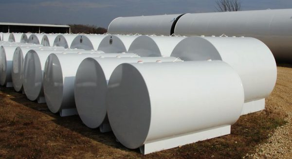 rows of single wall storage tanks